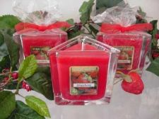 Buy Strawberry Triangle Jar Candle 7 oz.