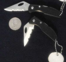 Buy Handy folding knife with cutter on the locking blade!