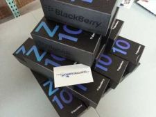 Buy Selling New Blackberry Z10 & iPhone 5 ( BBM Chat : 320F832E )