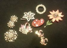 Buy Vintage Brooches!!! Lot of 8!!!!