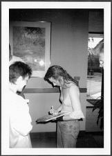 Buy TORI AMOS SIGNS AUTOGRAPHS FOR FAN BACKSTAGE REPRINT PHOTO 5X7 TA-2