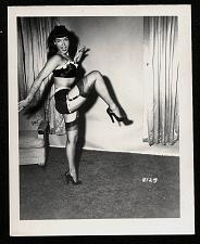 Buy BETTY PAGE SEXY IN BLACK VINTAGE IRVING KLAW PHOTO 4X5 #8129