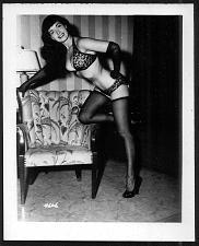 Buy BETTY PAGE LEGGY IN BLACK HI HEELS VINTAGE IRVING KLAW PHOTO 4X5 #4606