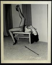 Buy BETTY PAGE COOL LEGGY HI HEELS POSE VINTAGE IRVING KLAW 4X5 BP-308