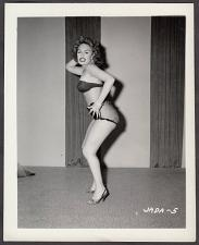 Buy INFAMOUS STRIPPER JADA CONFORTO IRVING KLAW VINTAGE ORIGINAL PHOTO 4X5 1950'S #5