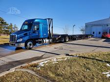 Buy 2013 Freightliner Cascadia Semi Tractor With 2017 Sun Country Trailer