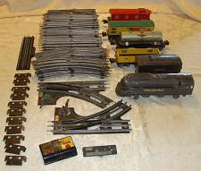 Buy VINTAGE PRE-WAR LOT LIONEL O-GAUGE TRAIN CARS TRACKS AND ACCESSORIES