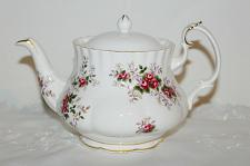 Buy Royal Albert Lavender Rose Teapot with Different Lid, 4 Cup Teacup