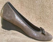 Buy Munro American Brown Suede Walking Wedge Loafer Pump Shoes Women's 6.5 M