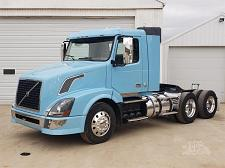 Buy 2013 Volvo VNL42T300 Day Cab