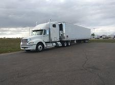 Buy 2006 Freightliner Semi Tractor With 2007 Reefer Trailer