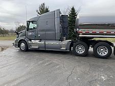 Buy 2017 Volvo VNL64T630 Semi Tractor For Sale in Greenleaf, Wisconsin 54126