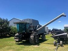 Buy 1999 Gleaner R-72 RWA Combine For Sale in Newton, Kansas 67114