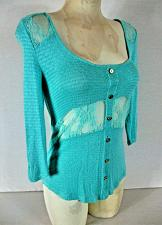 Buy RUE 21 womens Medium 3/4 sleeeve blue LACE INSERTS faux button stretch top (P)