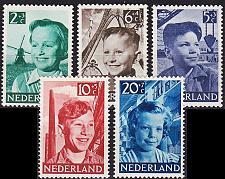 Buy NIEDERLANDE NETHERLANDS [1951] MiNr 0575-79 ( */mh )