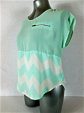 Buy RUE 21 womens Small S/S GREEN IVORY ZIPPER TOP BLOUSE (R)P