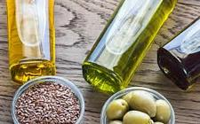 Buy Difference between essential oil and vegetable oil