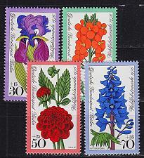 Buy GERMANY BERLIN [1976] MiNr 0524-27 ( **/mnh ) Pflanzen
