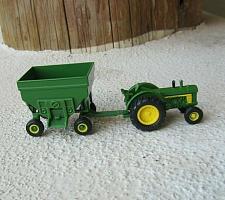 Buy ERTL 1/64 John Deere tractor & Gravity Wagon