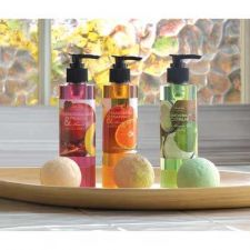 Buy Tropical Delights Bath Set