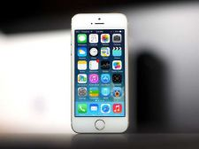 Buy Iphone 5s [BRAND NEW] Black and White [CHEAP] [20 AVAILABLE]