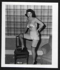 Buy MODEL ARLENE MAVER BOSOMY IN BIG BRA VINTAGE IRVING KLAW PHOTO 4X5 #1623