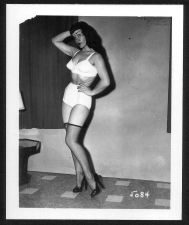 Buy BETTY PAGE BRA PANTIES NYLONS HI HEELS VINTAGE IRVING KLAW 4X5 #5084