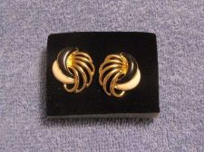 Buy Sarah Coventry Jewelry Epoxy jet / White prcd earrings (Spectator post) # 1101