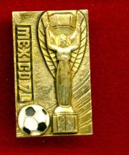 Buy VINTAGE RARE PINBACK WORLD CUP 1970.MEXICO.FIFA.***