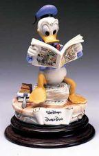 Buy Disney Donald Duck reading Comic Capodimonte Figurine C.O.A. Original Box