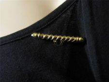 Buy Sarah Coventry Jewelry...Charm Pin #1887