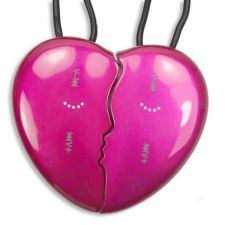 Buy 2GB Heart Shape MP3 Player Pink