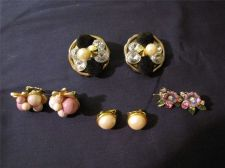 Buy 4 Pairs of Vintage Assorted Clip-on Earrings # 12