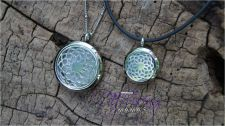Buy Large Flower Diffusing Mama's Brand Essential Oils Aromatherapy Locket Necklace