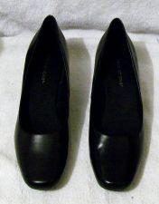 Buy EUC Women's Black Predictions Size 6 1/2 Pumps Shoes
