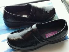 Buy AIR FLEX WOMEN'S US SIZE 12 CLOG BLACK LEATHER SHOE. VERY COMFORTABLE!