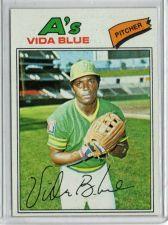 Buy VINTAGE VIDA BLUE Oakland A's Pitcher - 1977 Topps #230 Nice