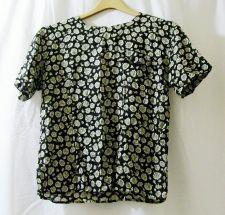 Buy EUC women's Sz. 4 Norton McNaughton Petites black/white floral pull-over blouse