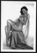 Buy BONNIE LOGAN HOT IN LACE POSE 5X7 BL-27