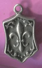 Buy vintage STERLING CHARM FLEUR DE LIS : signed MA MUSEUM OF ART or Michael Anthony