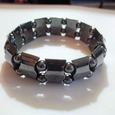 Buy MAGNETIC HEMATITE BRACELET FOR PAIN RELIEF & ENERGY