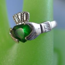 Buy sz 7 Sterling Silver Ring Irish Claddagh Hands - Green Gemstone Heart Hallmarked