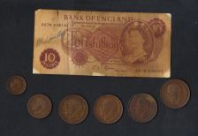 Buy Lot Of (6) Great Britain Large Pennies,And Small Pennies,& One England Bank Note