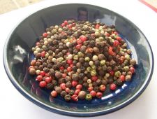 Buy PEPPERCORNS RAINBOW MIXED 5 COLOR WHOLE 2,4,8,16,32 OZ RESEALABLE BAG