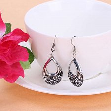Buy Women fashion studs earring