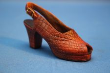 "Buy Just The Right Shoe ""IN SCALE"" #25110 NEW (379)"