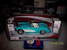 Buy MAISTO PREMIERE DC 1/24 1957 CHEVY CORVETTE NEW DIECAST OPENING HOOD DOORS