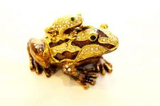 Buy Frog with Baby on its back enamelled and Diamante encrusted hinged trinket box