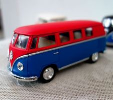 Buy Volkswagen Paint Classic Bus Kinsmart 1/32 1962 Diecast model Car ,free shipping