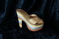 "Buy Just The Right Shoe ""Magnetic Allure 25023 NEW (379)"